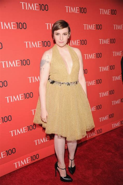 Lena Dunham   height and weights