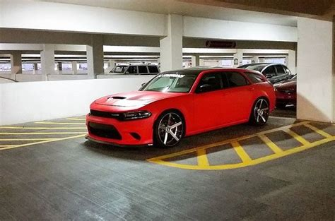 2007 Dodge Magnum with a 2015 Charger Hellcat front end